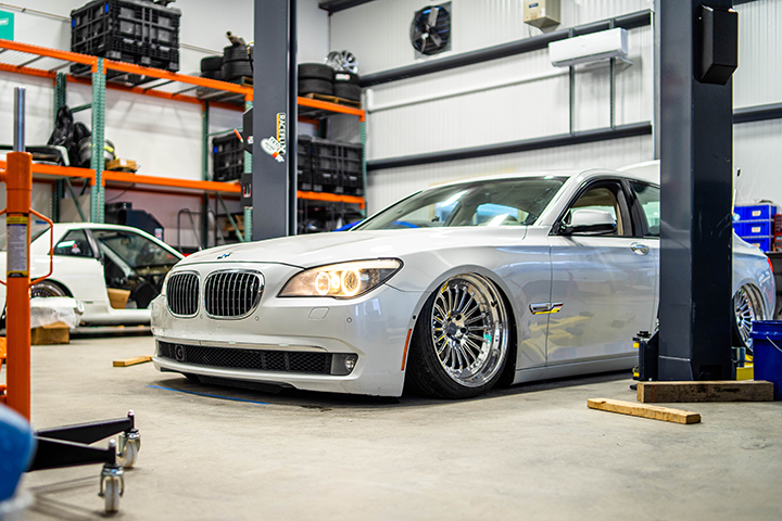 Video: Our BMW 7 Series gets an exhaust, spindles... and glitter paint